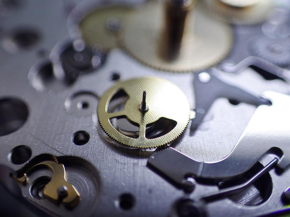 時計修理技術者コラムVol.28 クロノグラフ12時間計積算計の不良について~Cal.ETA7750編~